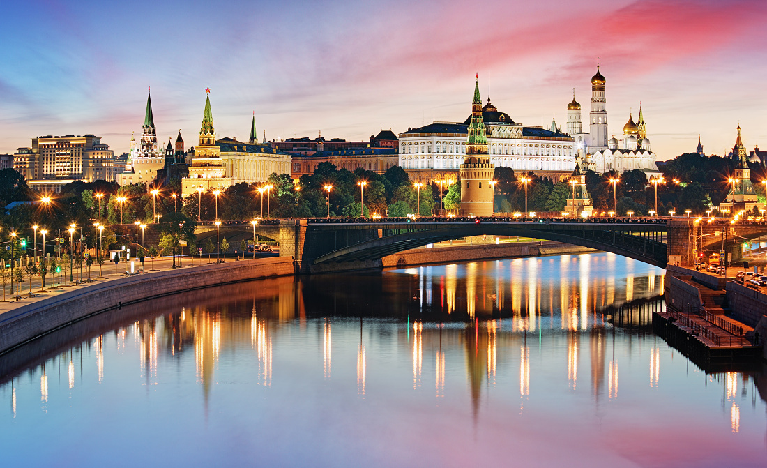 Moscow Kremlin and river in morning